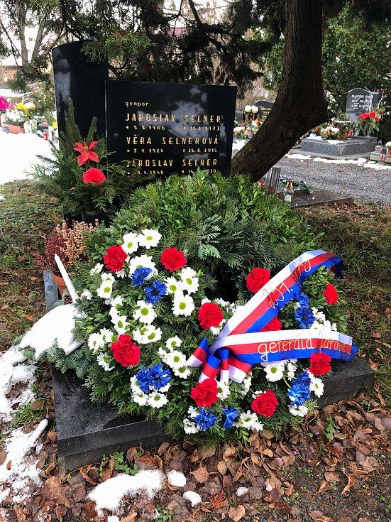 Společně uctili jeho památku na hřbitově v Brandýse nad Labem – Staré Boleslavi, kde je generál Selner pochován.
