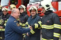 Veliteli kladenských hasičů uspořádali kolegové slavnostní odchod.