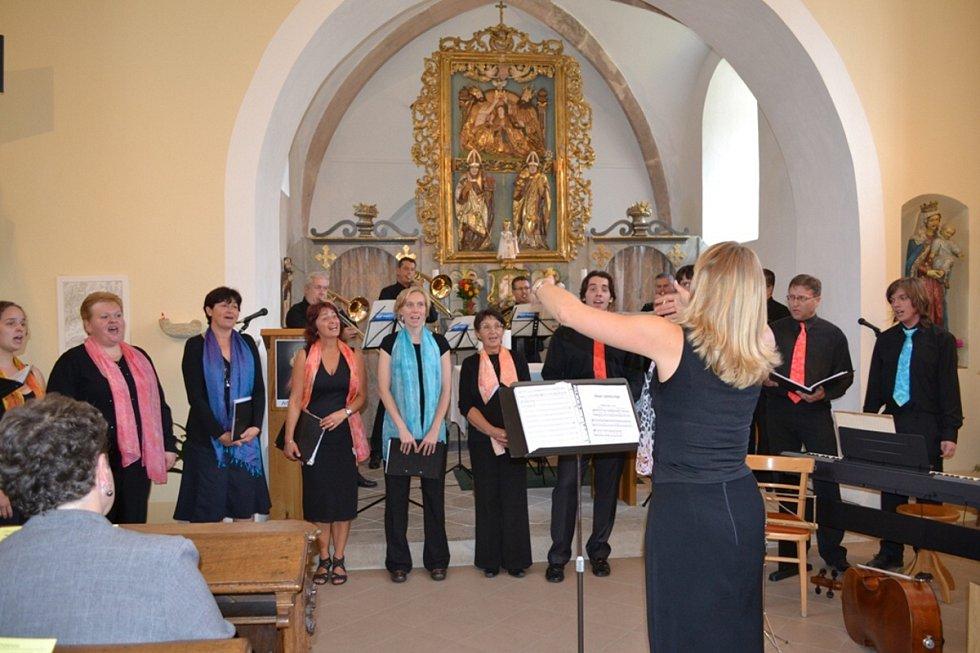 Společné vystoupení Pražského žesťového souboru a smíšeného pěveckého sboru Gaudium