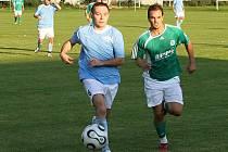 Martin Kott a Přemysl Bouška //  Sokol Hostouň - SK Hřebeč 1:2 (0:0), utkání I.B stč. kraj, tř. 2010/11, hráno 12.9.2010