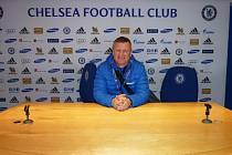 Jaroslav Hrubeš v tiskové středisku Chelsea.