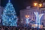 Rozsvícení Vánočního stromu splněných přání v Kladně naplnilo náměstí Starosty Pavla.