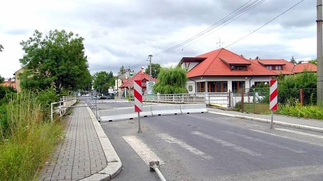 Most přes Bakovský potok ve Velvarech