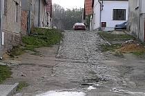 Spolu s kanalizací dostanou některé ulice ve Švermově i nový povrch.
