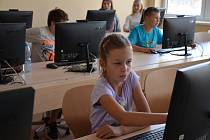 Otevření školy pro II. stupeň ve Svárově.