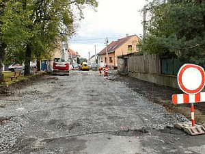 Opravy ve IV. ulici ve Vinařicích