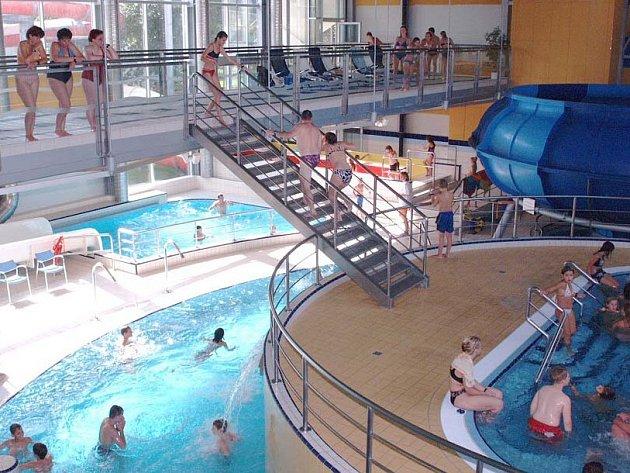 AQUAPARK. Z provozu vodního světa dotuje firma ostatní provozy, aquapark už ale nevydělává jako dříve.