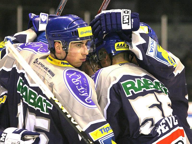 Šestý zápas čtvrtfinále play off 2005, Kladno přehrálo Pardubice 2:1. Tomáš Kaberle