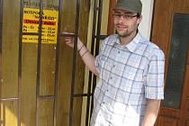 Provozovatel  restaurace U Marešů Ondřej Máslo tvrdí, že se stal obětí konkurenčního boje. O pravdě musí nyní ale rozhodnout kriminalisté.