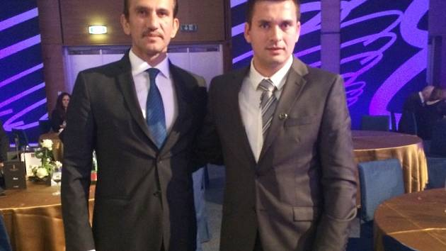 Někdejší slavný turecký brankář Rüştü Reçber (vlevo) s Jakubem Andrýskem.