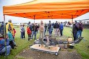 Přes 700 diváků sledovalo nedělní exhibici veteránů na letišti ve Slaném.