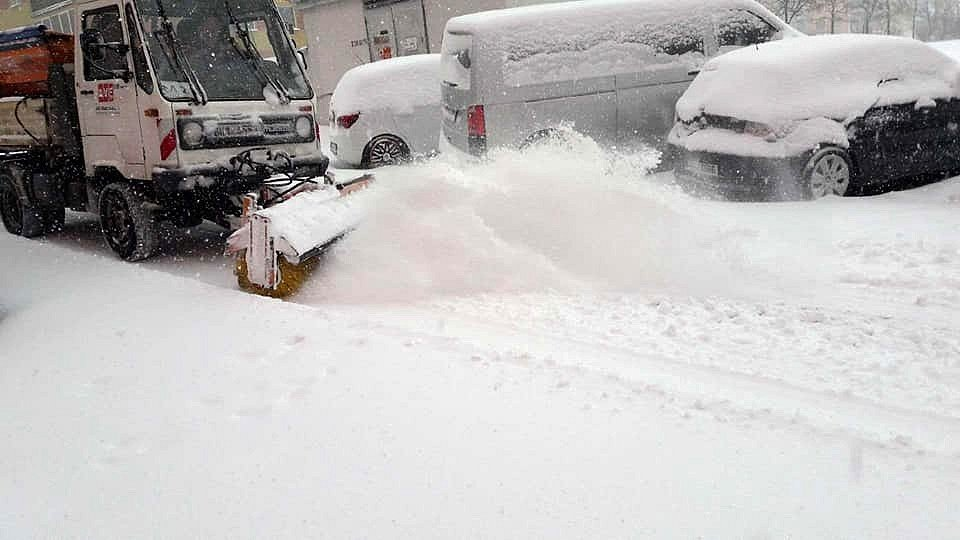 V Kladně kvůli přívalu sněhu vyhlásil primátor města Dan Jiránek kalamitní stav.