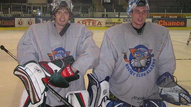 Při fotbale patří mezi ofenzivní tahouny. V hokejovém utkání si Tomáš Cigánek a Michal Zachariáš vyzkoušeli roli gólmana.