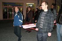 Náměstek Miroslav Bernášek je od pondělí nemocný a tak se ho lidé nedočkali.