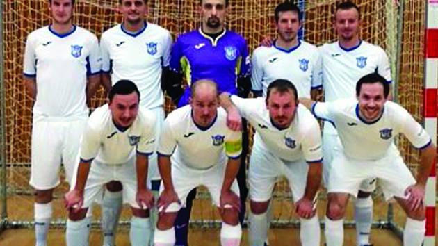 FK Kladno po výhře nad Hradištěm 9:1.