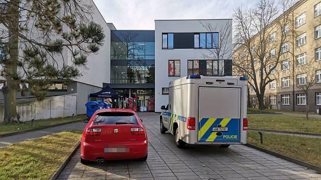 Vyšetřování střelby v kladenské nemocnici.