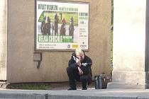 Takto to vypadalo ráno před hlavním vlakovém nádraží v Kladno