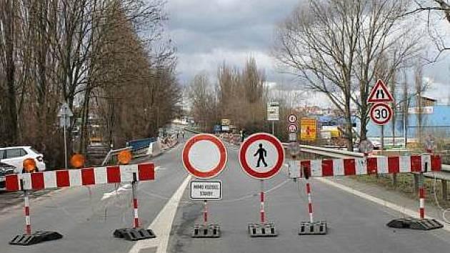 Kladno mimo jiné čeká oprava mostu v Kročehlavské ulici, který se uzavřel minulý týden.