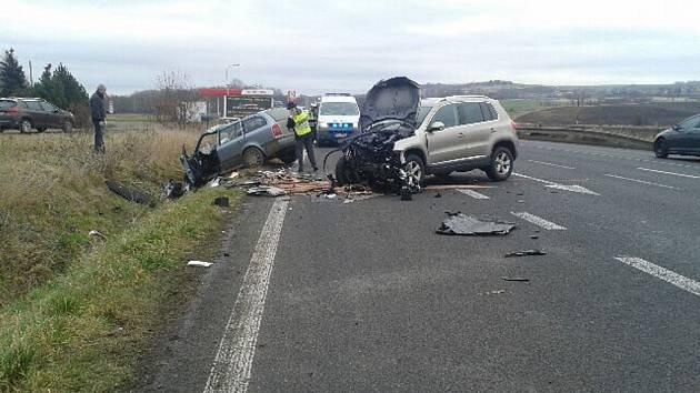 Vážná nehoda se stala u Velvar.