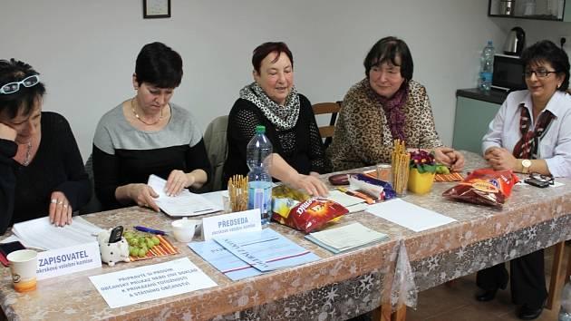 Kvůli dalšímu kolu voleb se ve Dřínově sejde volební komise opět v září