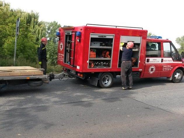 Dopravní nehoda v Ješíně - náraz náklaďáku do rodinného domu