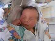 ADAM MUŽÍK, LIBUŠÍN. Narodil se 3. dubna 2017. Váha 3,19 kg, míra 48 cm. Rodiče jsou Adéla a Josef Mužíkovi (porodnice Slaný).