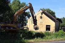 Drážní domek ve Slaném se poroučel k zemi.
