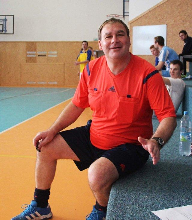 Velký turnaj SKFS rozhodčích se odehrál v Unhošti, vyhrál Mělník. Turnaj řídil i Karel Jandák.
