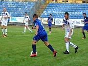 SK Kladno (v bílém) vyřadilo z MOL Cupu Karlovy Vary, vyhrálo 2:0.