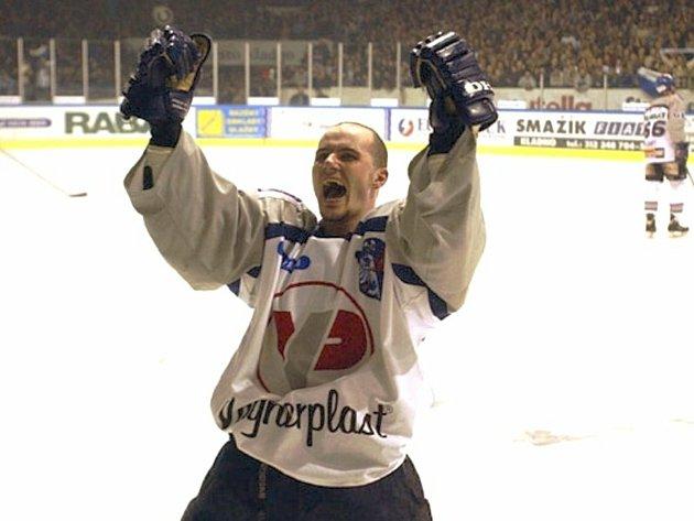 Bývalý hokejista Michal Havel při baráži Kladno - Havířov, vníž dal Havel svůj nejslavnější gól.