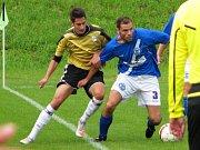 Kladno (v modrém) přehrálo Měcholupy 4:2. Bartoš byl hráčem utkání.