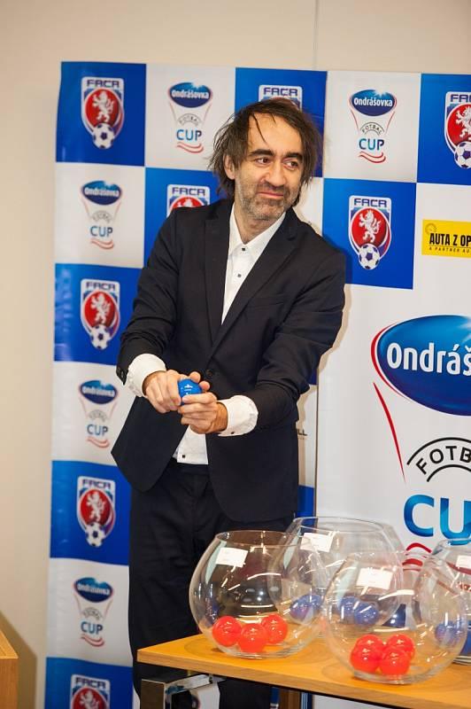 Losování Ondrášovka Cupu 2019 provedl bavič Jakub Kohák