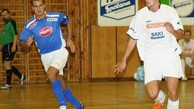 Kladenský David Müller (vpravo) je Futsalistou okresu.