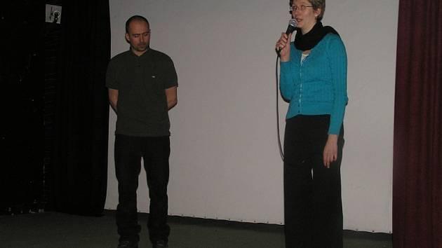Besedu s diváky vedla po prvním promítaném filmu Barmský VJ vedoucí barmské sekce Člověka v tísni Marie Peřinová.
