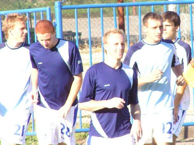 Kladenskému béčku hodně pomohli hráči A týmu. Dva góly dal Michal Zachariáš (vpravo).