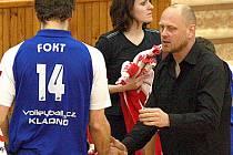 Asistent trenéra Kladna Zdeněk Šmejkal a kapitán týmu Borek Fokt.