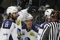 Rytíři Kladno – HC Most 6:1, domácí slaví gól Michala Dragouna (uprostřed)
