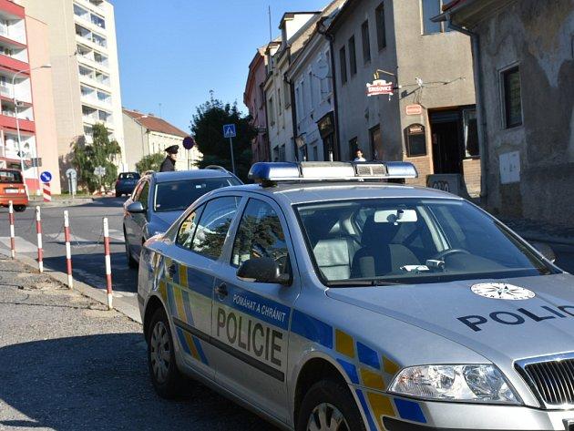 Nehoda auta s chodcem ve Fortenské ulici ve Slaném