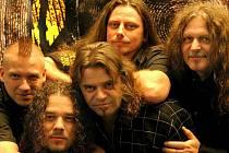 Skupina Arakain již v Kladně pár samostatných koncertů zahrála, ale jak říkají sami hudebníci, už je to hezkých pár let.