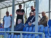 Unhošť ( v modrém) porazila doma Slaný B 2:0 góly ze závěru.