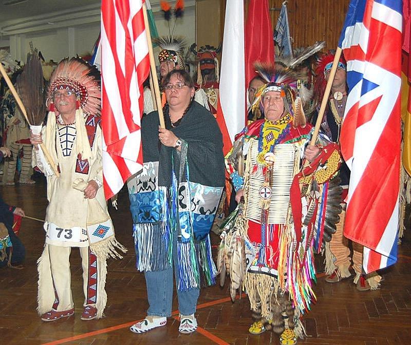 Severoamerické indiánské powwow počesku se konalo v Kladně.