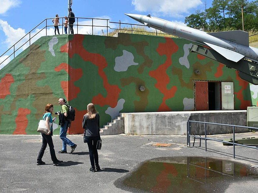 Expozice Bunkru Drnov je velmi zajímavá, láká lidi k prohlídkám zblízka i daleka.