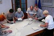 Sčítání volebních hlasů v Družci