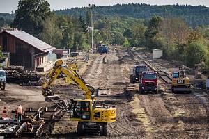 Rekonstrukce železniční trati. Ilustrační foto.