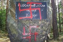 Zneuctěný pomník v Žilině