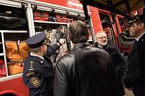 Kladenští hasiči mají ve svém vybavení nový zásahový vůz. Jedná se o Scanii CAS 20/4000/240 S2T. Nový vůz nahradí CAS 24 T 815 Terrno z roku 2001.