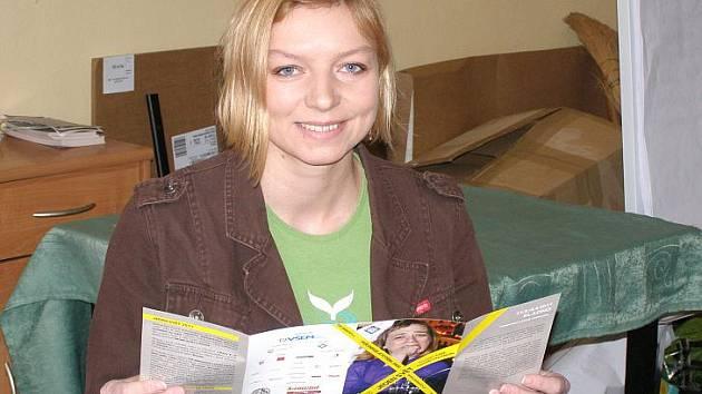 Vendula Karasová z pobočky Člověka v tísni je koordinátorkou festivalu Jeden svět v Kladně.