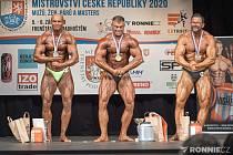 Vítězný Tomáš Mach (uprostřed) je novým mistrem republiky.