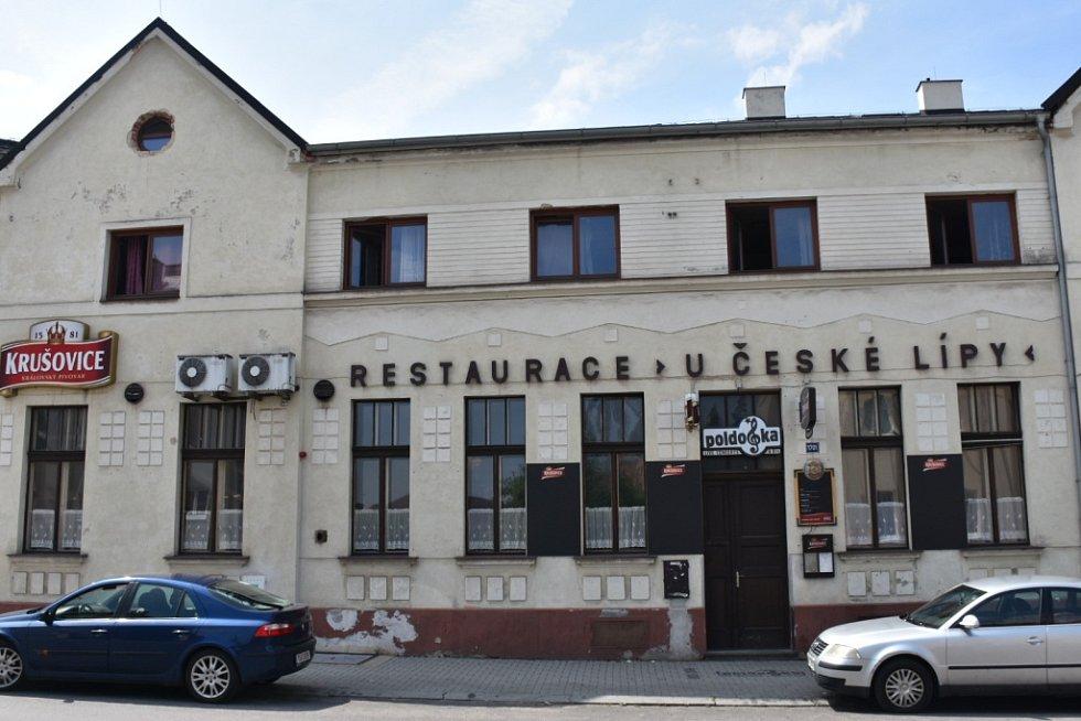 První hodiny platnosti protikuřáckého zákona. Restaurace U České Lípy Kladno