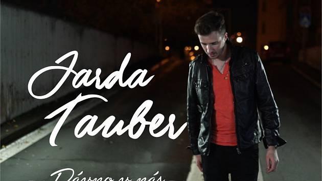 Jarda Tauber má nový videoklip a vyhlíží turné s Petrem Jandou.